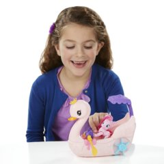 planettoys.ua Igrovoy_nabor_Hasbro_My_Little_Pony_Pinki_Pay_na_lodke_B3600